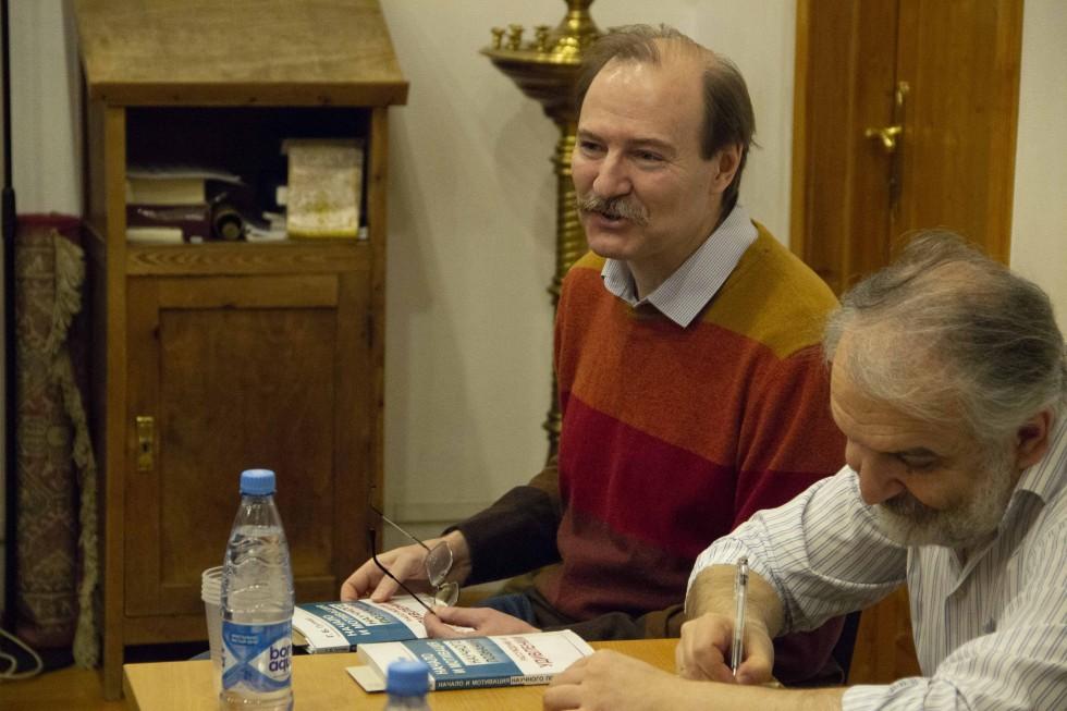 Владислав Шапошников, заведующий кафедрой философии естественных факультетов Философского факультета МГУ